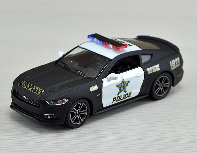 ماکت ماشین پلیس